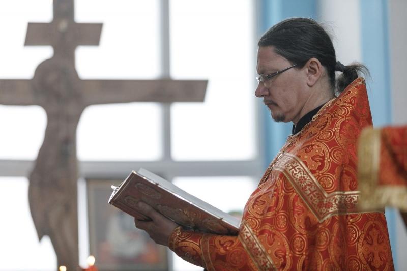 Священник Владимир Логинов пообщается со слушателями радио «Поморье» о добродетели молитвы